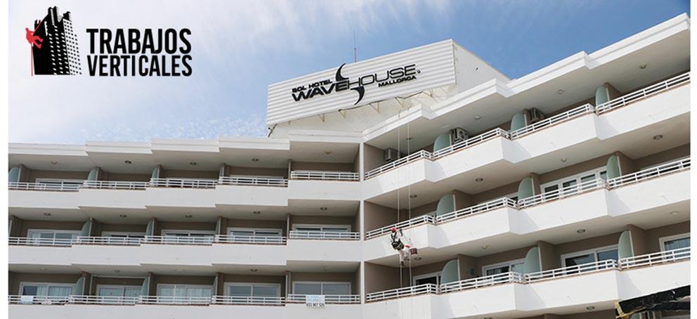 rehabilitación de fachada de trabajos verticales palma en wave hueso mallorca
